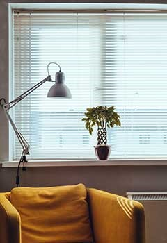 Apartment Venetian Blinds In Castaic